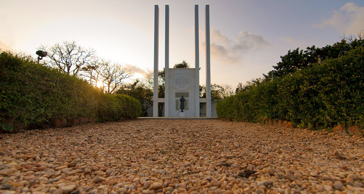 One Day Chennai to Pondicherry Trip by Car War Memorial