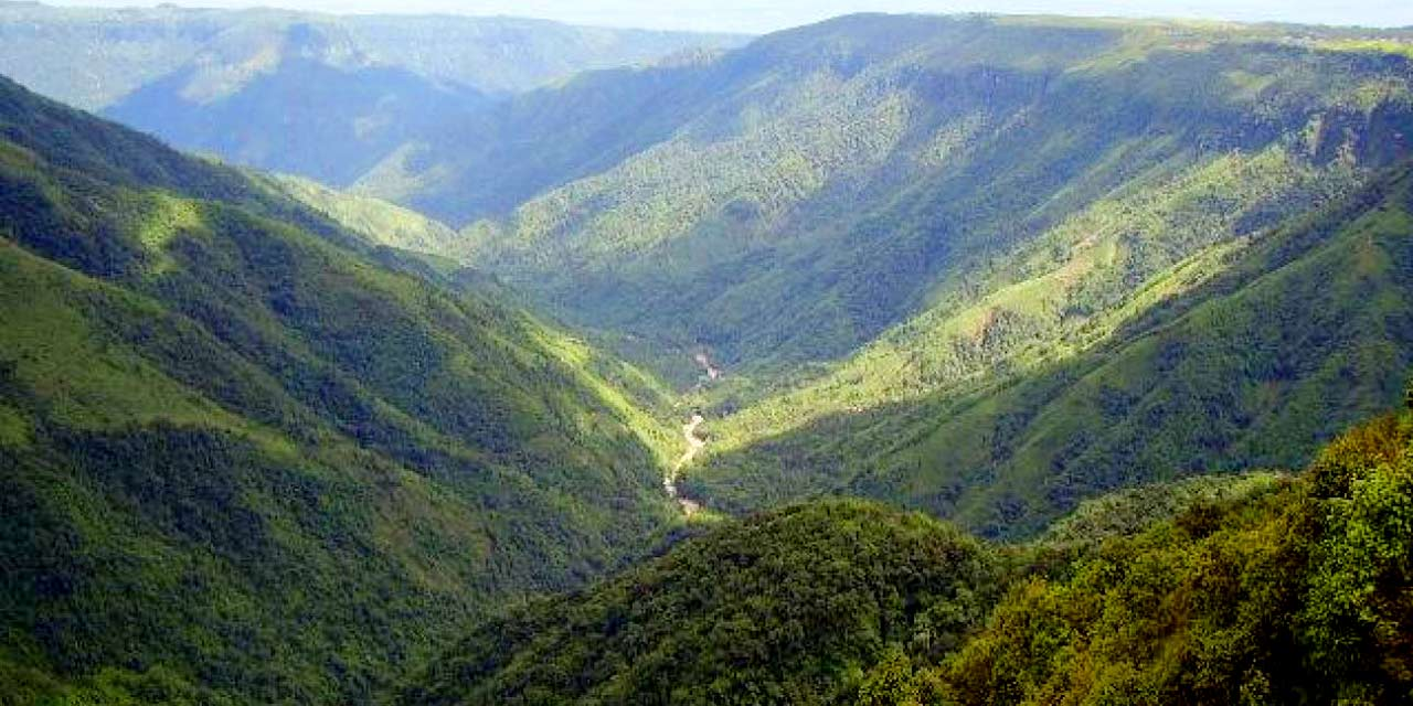 One Day Cherrapunji Local Sightseeing Trip by Car
