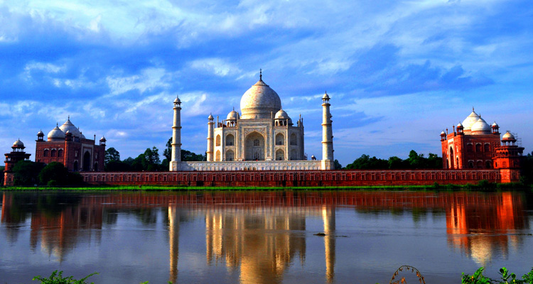 One Day Delhi to Agra Trip by Car Mehtab Bagh