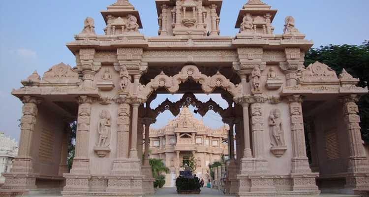 One Day Delhi to Mathura and Vrindavan Trip by Car Banke Bihari Mandir