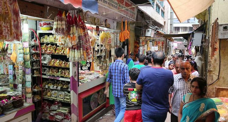 Shopping @One Day Delhi to Mathura and Vrindavan Trip by Car Vrindavan & Mathura