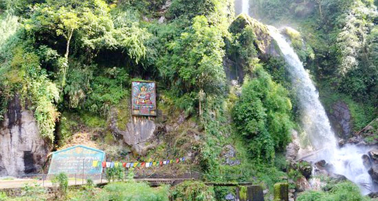 One Day Gangtok Local Sightseeing Trip by Car Seven Sisters Waterfall