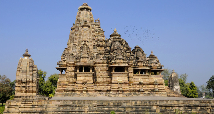 One Day Khajuraho Local Sightseeing Trip by Car Vishwanath Temple