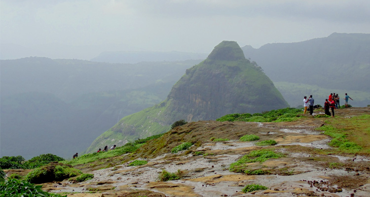One Day Lonavala Local Sightseeing Trip by Car Lion's Point