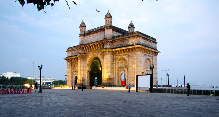 One Day Mumbai Local Sightseeing Trip by Car Gateway of India