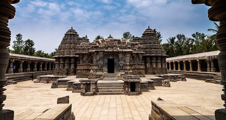 Package Glimpse One Day Mysore to Belur and Halebidu Trip by Car