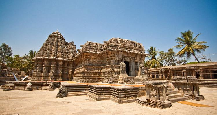 One Day Mysore to Shivanasamudra Falls Trip by Car Somnathpur Chennakeshava Temple