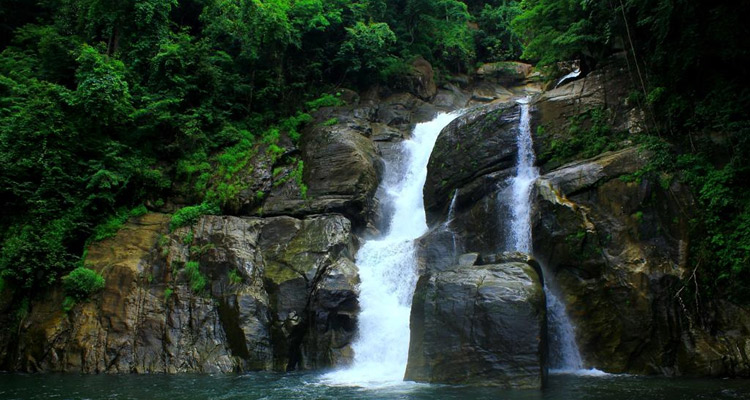 One Day Mysore to Wayanad Trip by Car Meenmutty Waterfalls