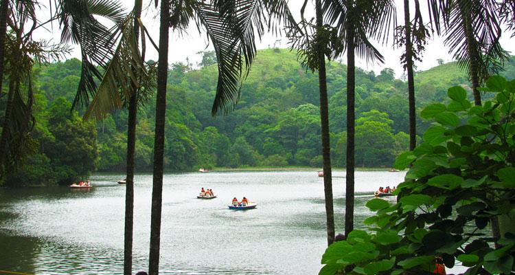 One Day Mysore to Wayanad Trip by Car Pookot Lake