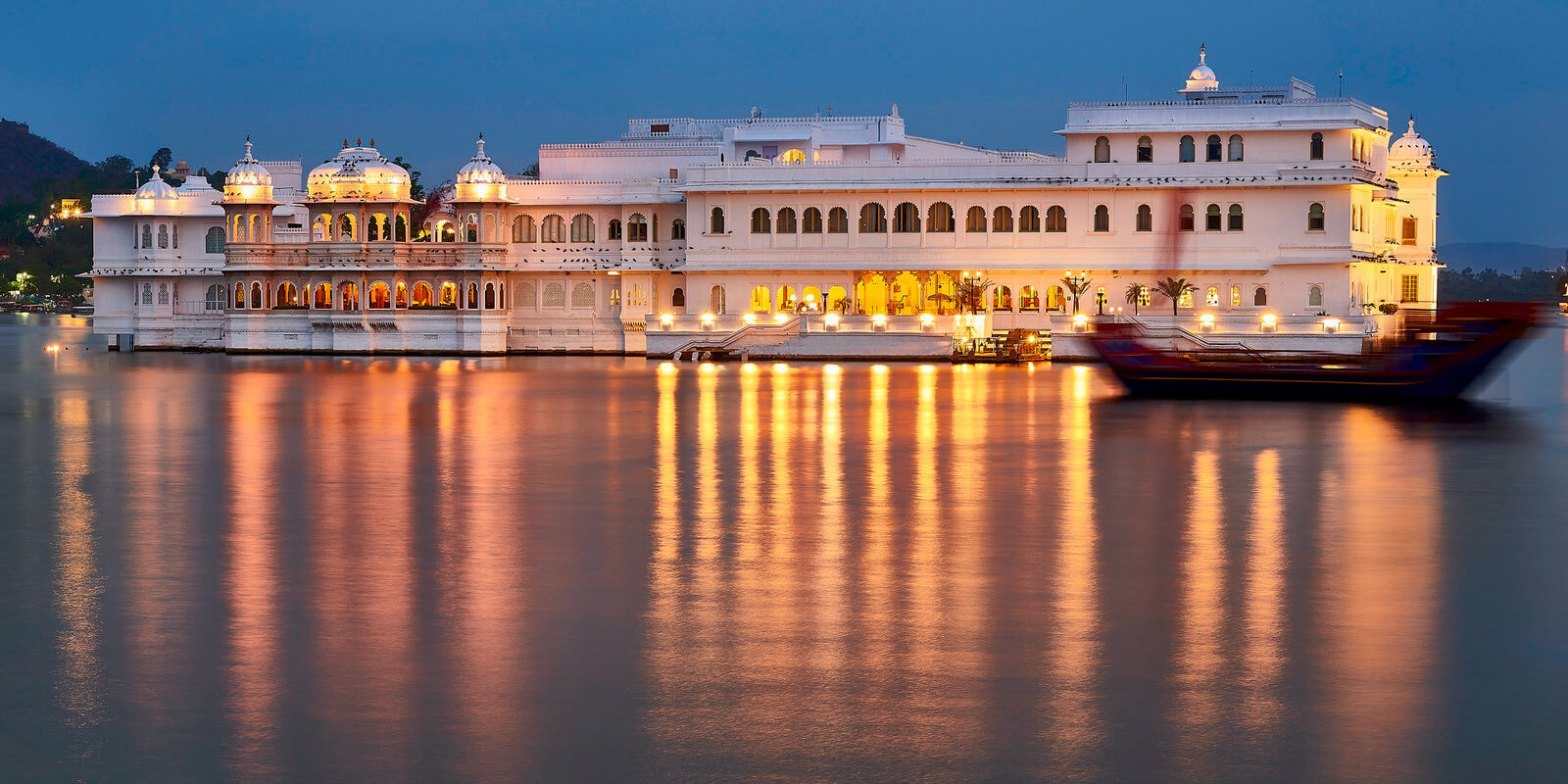 1 Day Udaipur Local Sightseeing Tour by Cab Header
