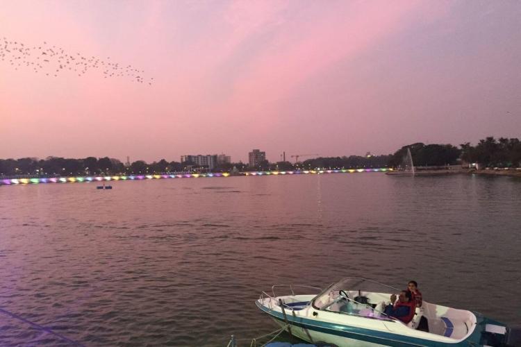 Kankaria Lake w/ Ahmedabad City Sightseeing Tour