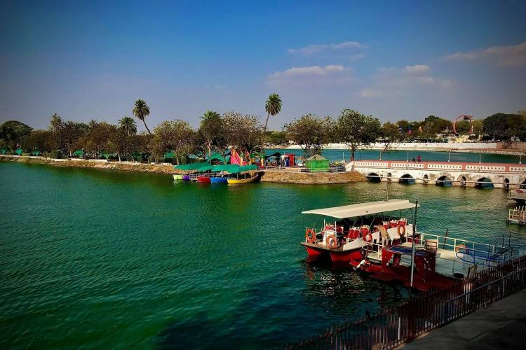 Package Glimpse 1 Day Ahmedabad Sightseeing Tour by Cab