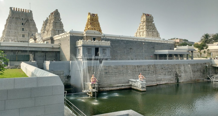 1 Day Chennai to Kanchipuram Tour by Cab Kamatchi Amman Temple