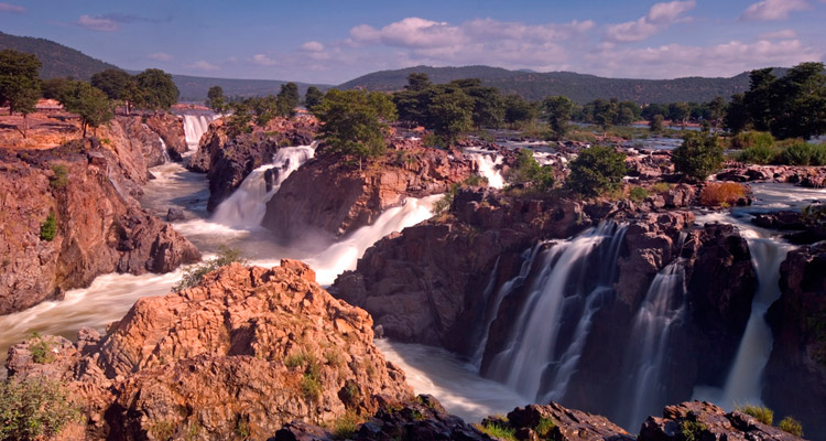 1 Day Coimbatore to Hogenakkal Waterfalls Tour by Cab Hogenakkal Waterfalls