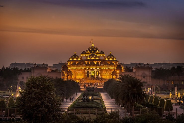 Akshardham Temple with 1 Day Delhi Local Sightseeing Trip by Car