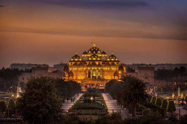 Akshardham Temple with 1 Day Delhi Local Sightseeing Trip by Car