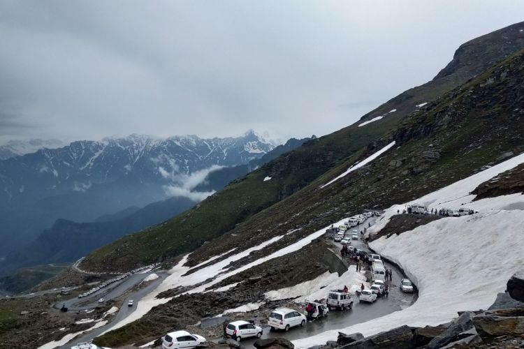 Package Glimpse 1 Day Manali to Rohtang Pass Tour by Cab
