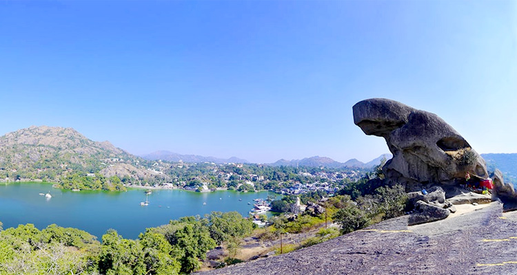 1 Day Mount Abu Local Sightseeing Tour by Cab Trevor's Tank and Toad Rock