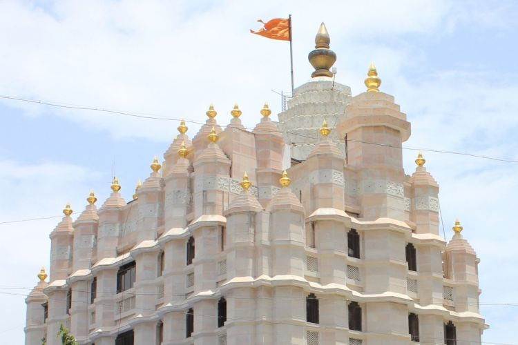 Siddhivinayak Temple with One Day Mumbai Local City Sightseeing Tour by Car