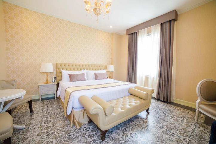 Rizal Park Hotel