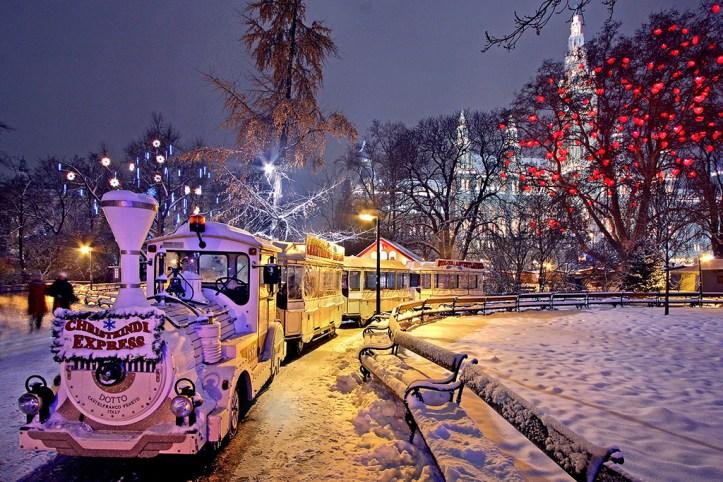 Christmas Market Rathaus Platz