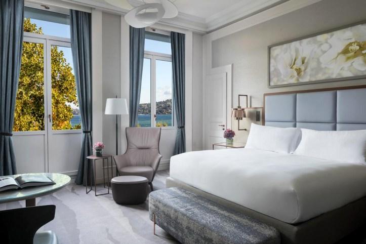 The Ritz-Carlton Hotel de la Paix Room