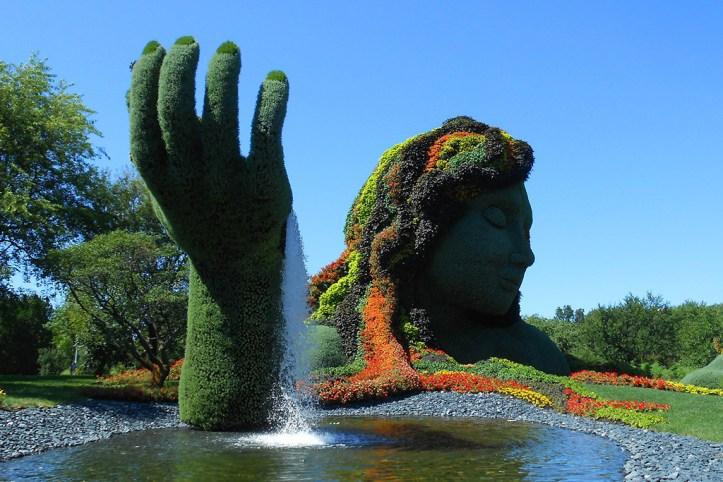 Botanical garden flower statue