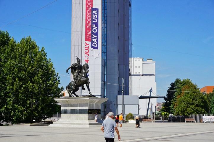 Skenderbeu Square, Pristina