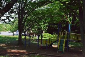 東方公園の子ども遊園地