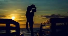 13 de abril: Día Internacional del Beso