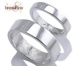 Ujjlenyomatos karikagyűrű / Fingerprint wedding band Forrás:http://www.etsy.com