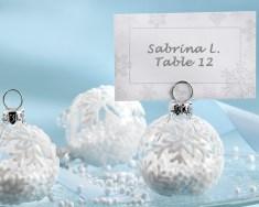 Téli esküvői ültetőkártya tartó /Winter wedding seating card holder Forrás:http://agoodaffair.com