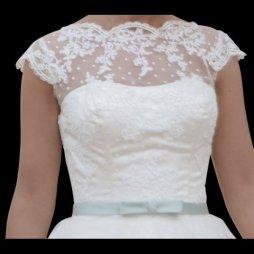 Pöttyös 50es évek stílusú menyasszonyi ruha 10 / Polka dots 50s style wedding dress 10 Forrás:http://www.cuttingedgebrides.com