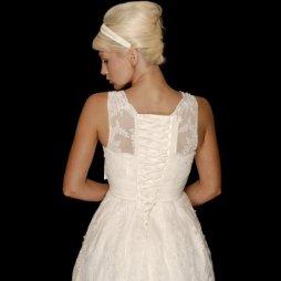 50es évek stílusú menyasszonyi ruha 2 / 50s style wedding dress 2 Forrás:http://www.cuttingedgebrides.com