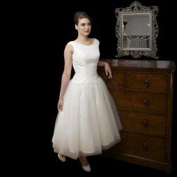 Audrey Hepburn sílusú,50es évek stílusú menyasszonyi ruha 3 / Audrey Hepburn style,50s style wedding dress 3 Forrás:http://www.cuttingedgebrides.com