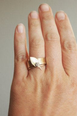 Arany eljegyzési és karikagyűrű szett 2 , Gold enagement ring and wedding band set 2 Forrás:http://www.etsy.com