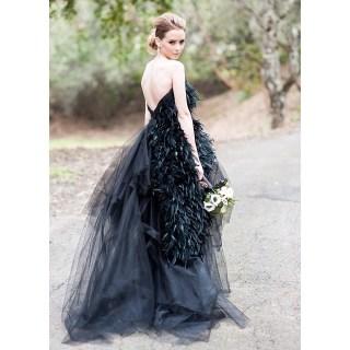 Fekete Carol Hannah ruha / Black gown by Carol Hannah Forrás: http://www.carol-hannah.com