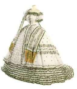 Erzsébet királyné esküvője előestéjén viselt ruhája / Empress Elisabeth wedding eve dress Forrás:http://oldrags.tumblr.com