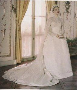 Grace Kelly menyasszonyi ruhája / Grace Kelly wedding dress Forrás:http://allvip.us