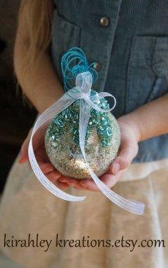 Wedding ring bearer pillow alternatives 14 Forrás:http://www.etsy.com