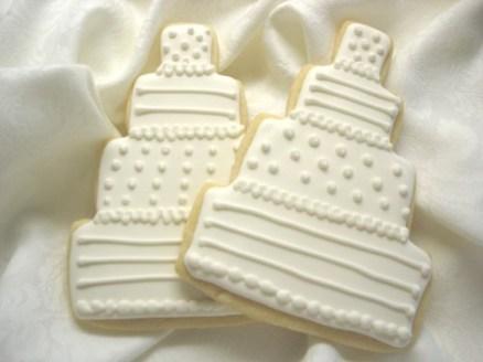 Menyasszonyi torta alakú süti / Wedding cake shaped cookie Forrás:http://myinspiredwedding.com