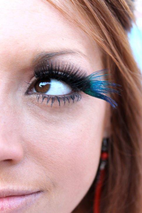 Pávatoll műszempilla , Peacock feather false eyelashes Forrás:http://www.etsy.com