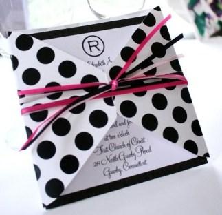 Pöttyös esküvői meghívó / Polka-dots wedding invitation Forrás:http://www.vpgifts.com