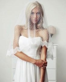 Pöttyös menyasszonyi fátyol / Polka-dots wedding veil Forrás:http://www.weddingomania.com