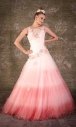 Rózsaszín,ombre menyasszonyi ruha /Pink ombre bridal gown Forrás:http://gelieft.co.za/?page_id=53