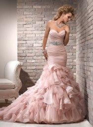 Maggie Sottero rózsaszín menyasszonyi ruha / Pink bridal dress by Maggie Sottero Forrás:http://www.maggiesottero.com