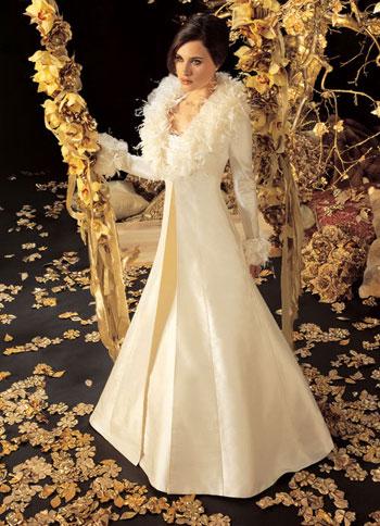 Téli menyasszonyi kabát 3 /Winter wedding bridal coat 3 Forrás:http://www.1weddingsource.com