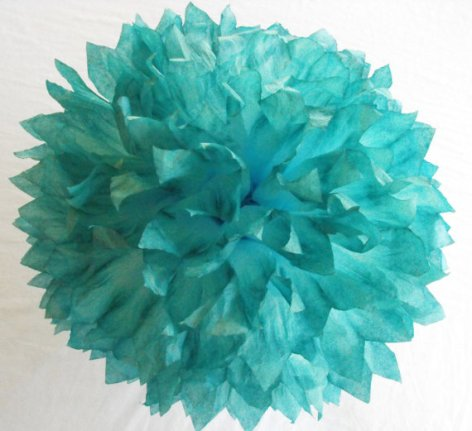Türkiz pom-pom dekoráció , Turquoise decoration Forrás:http://www.etsy.com