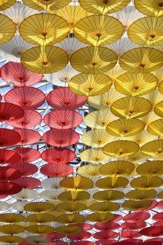 Esernyős mennyezet dekoráció , Umbrella ceiling Forrás:http://casper1830.deviantart.com/