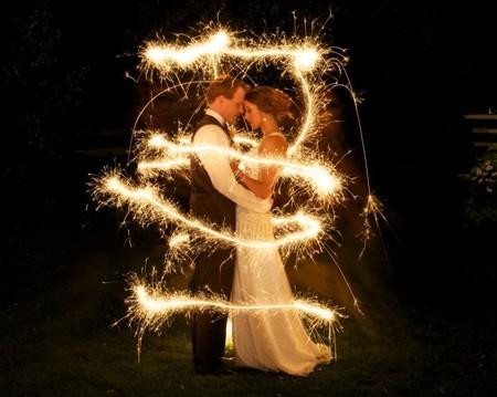 Kreatív csillagszórós esküvői képek 3 , Creative wedding sparklers Photos 3 Forrás:http://www.sparklersonline.com/